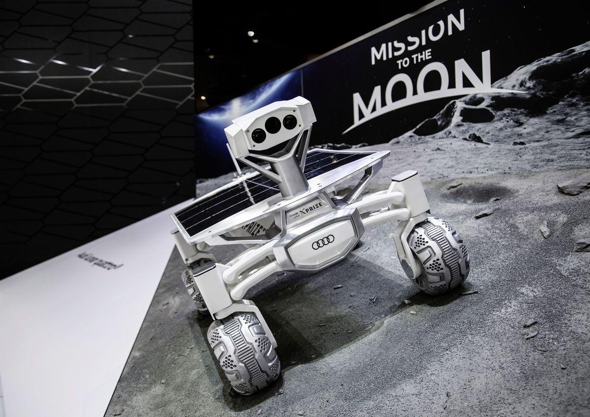 Lunar Quattro
