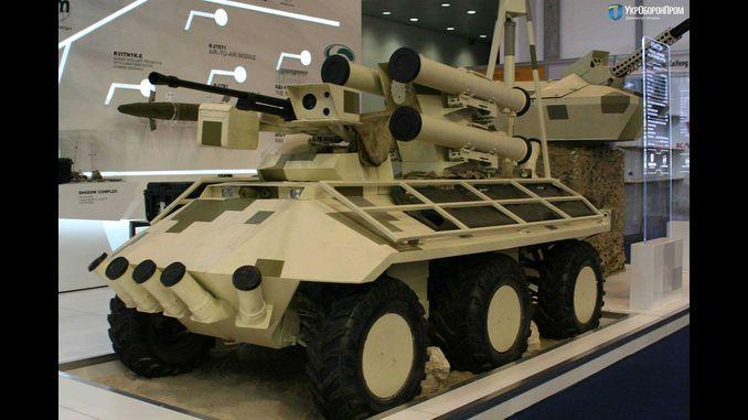 Український бойовий робот «Фантом» став міні-сенсацією на виставці IDEX 2017