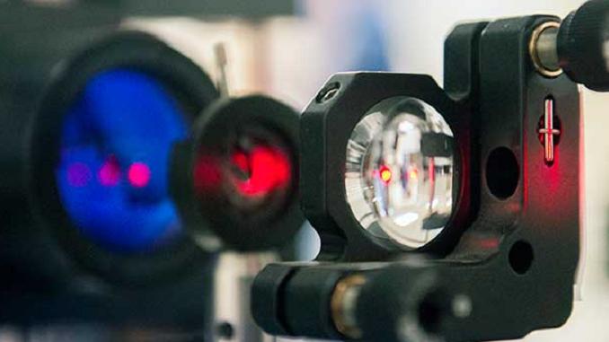 Відкриті промені інфрачервоних лазерів зможуть замінити оптоволоконні канали