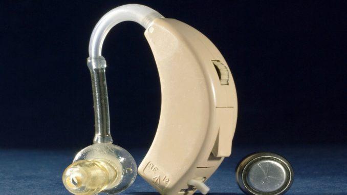 """Новий інтерфейс """"мозок-комп'ютер"""" допоможе вдосконалити слухові апарати"""