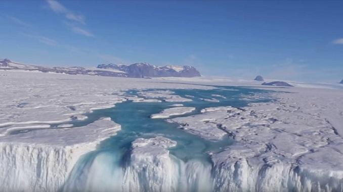 водоспад Антарктиді