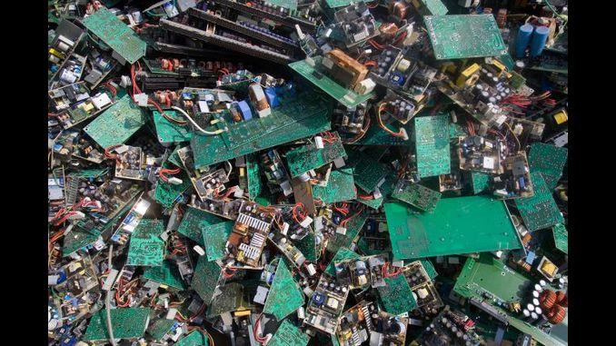 деградуємих електронних компонентів