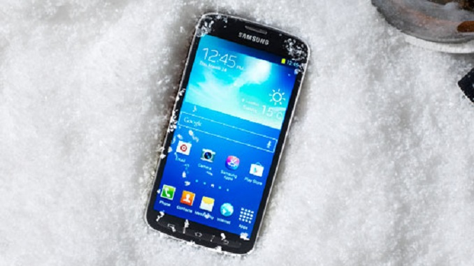 Як захистити телефон взимку Чому смартфон швидше розряджається взимку?