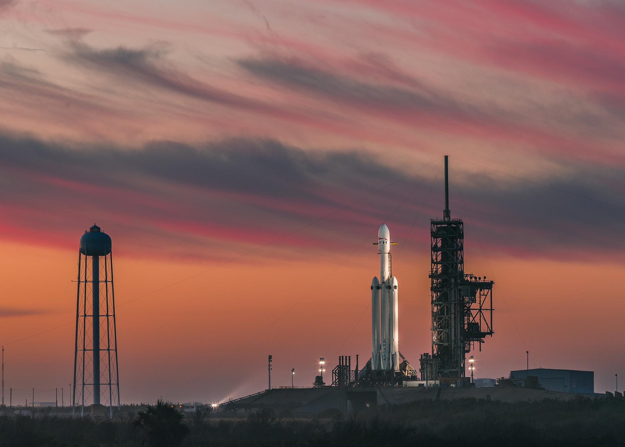 Запуск Falcon Heavy фото