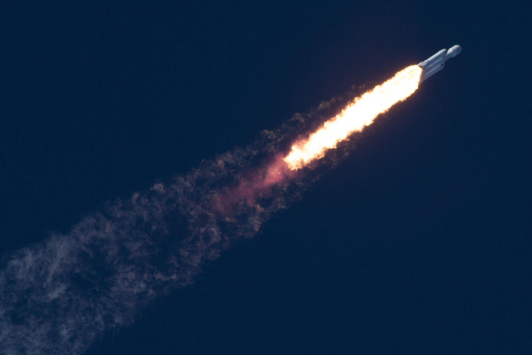 Запуск Falcon Heavy фото