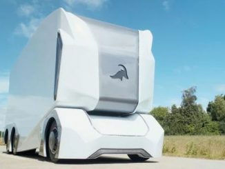 Шведські безпілотні вантажівки T-pod з'являться на дорогах цієї осені