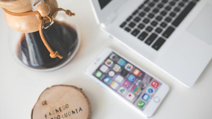 iPhone ноутбук замінити акумулятор на iPhone