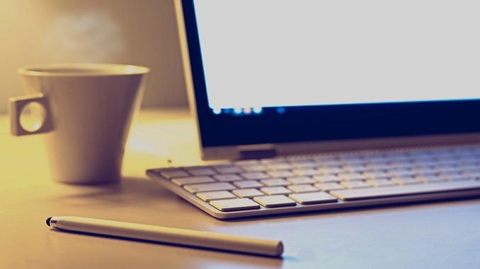 ТОП 15 сайтів України за минулий місяць ноутбук чай кава сервіс відеочату кращий
