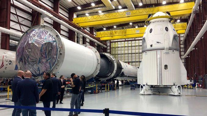 SpaceX здійснила історичний запуск пілотованого корабля Crew Dragon