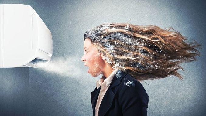 Чим замінити кондиціонер в спеку: 3 недорогих альтернативи прохолода дівчина застудитися під кондиціонером