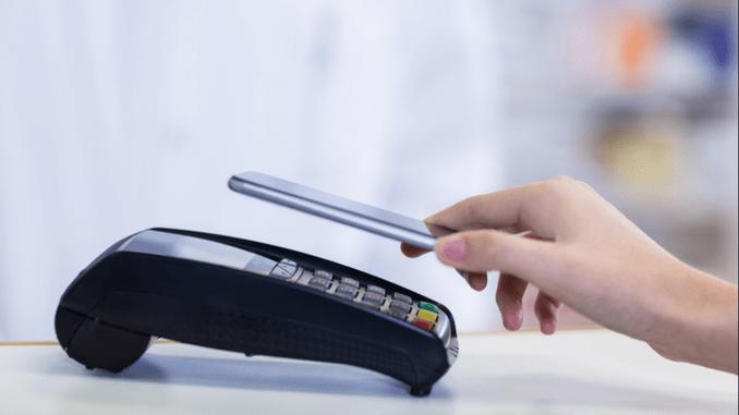 платити смартфоном замість карти платити смартфоном через NFC без інтернету