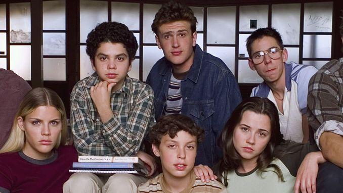 Диваки і навіжені Серіали про юність і ностальгію за 80-ми